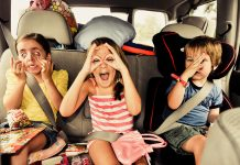 Como entreter crianças em viagens longas.