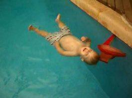 Natação de prevenção para bebés