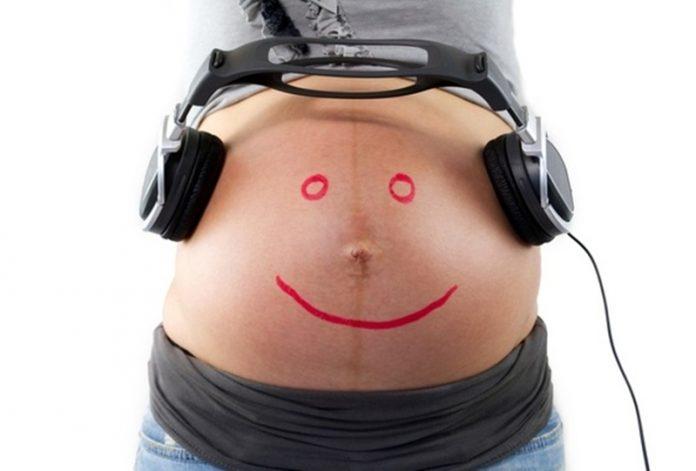 Comunicação pré-natal, inunde o mundo do seu bebé de som