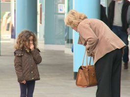 Evite o episódio da criança perdida num local público