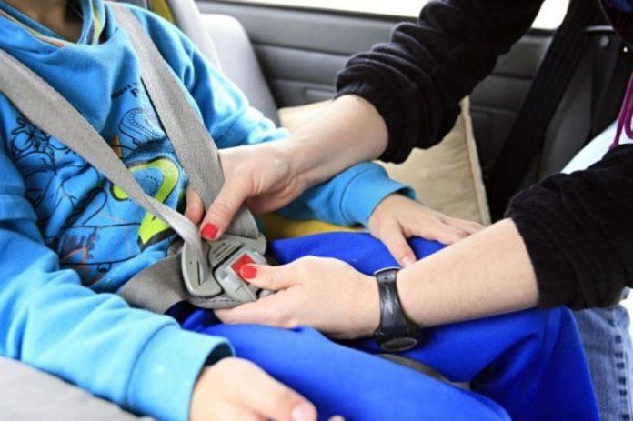Transportar a criança no automóvel