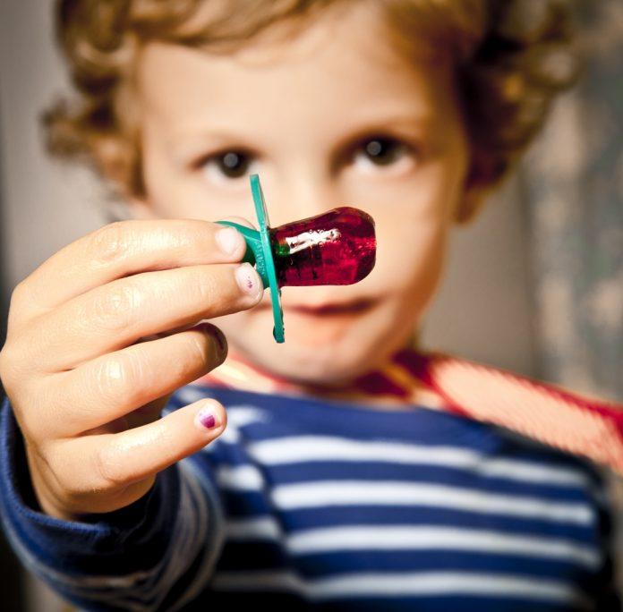 Como ajudar o seu filho a largar a chupeta