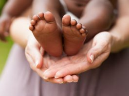 Conheça os diferentes tipos de adoção de crianças