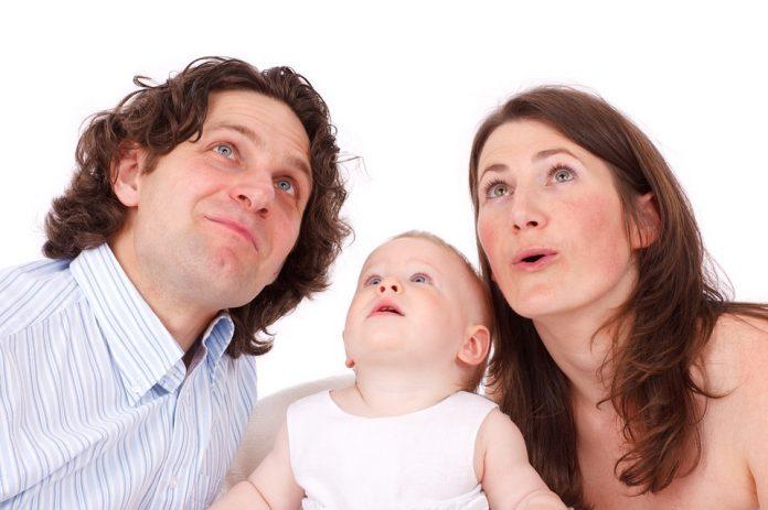 Abonos de família, novos aumentos e regresso do 4º escalão